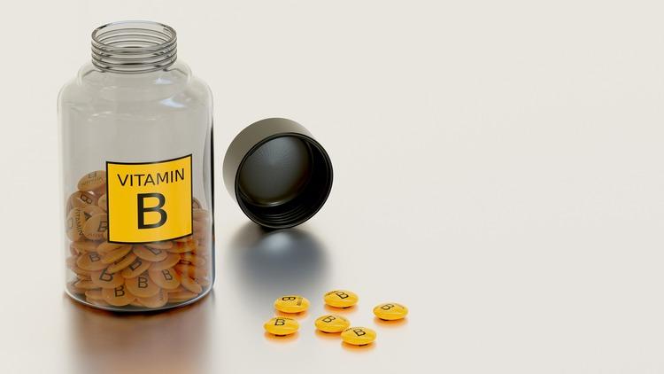 Fine hair vitamins Vitamin B supplement